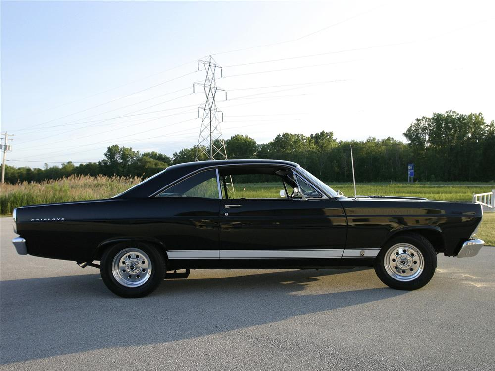 1967 FORD FAIRLANE 500 CUSTOM 2 DOOR COUPE - Side Profile - 152037