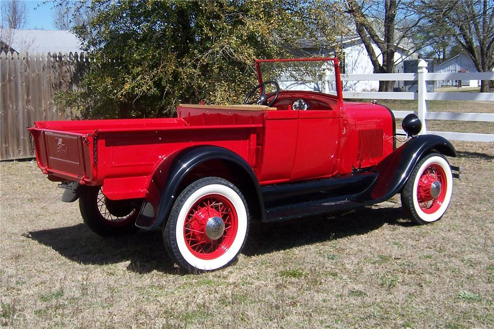 1928 FORD MODEL A ROADSTER PICKUP - Rear 3/4 - 152042
