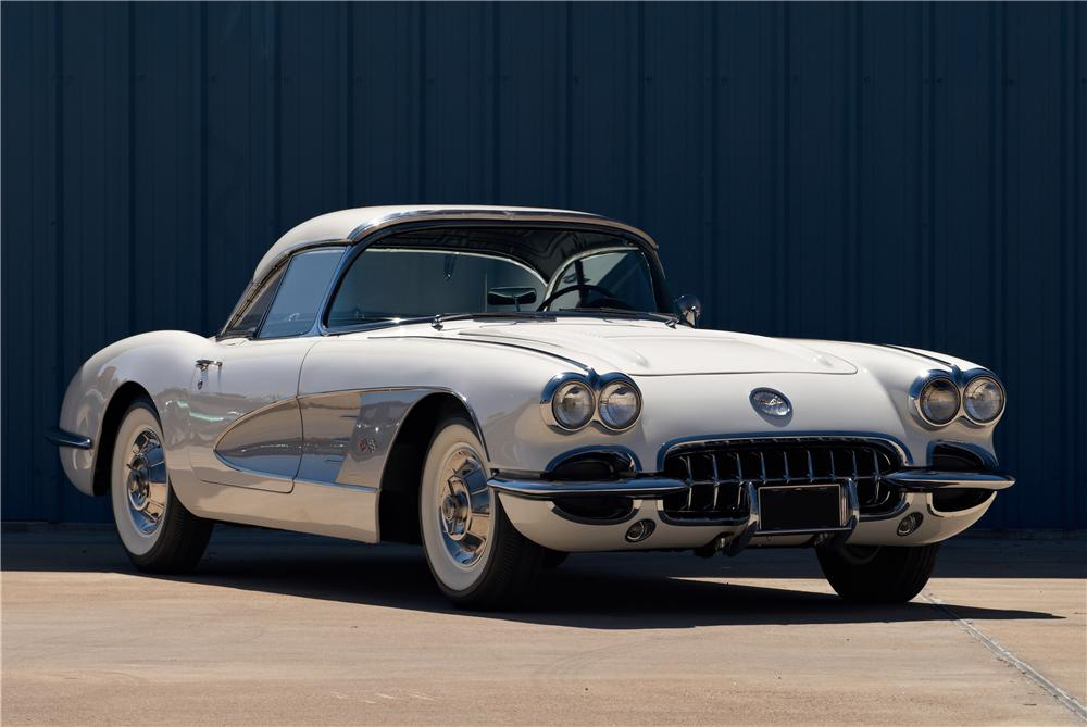 1958 CHEVROLET CORVETTE CONVERTIBLE - Front 3/4 - 152059