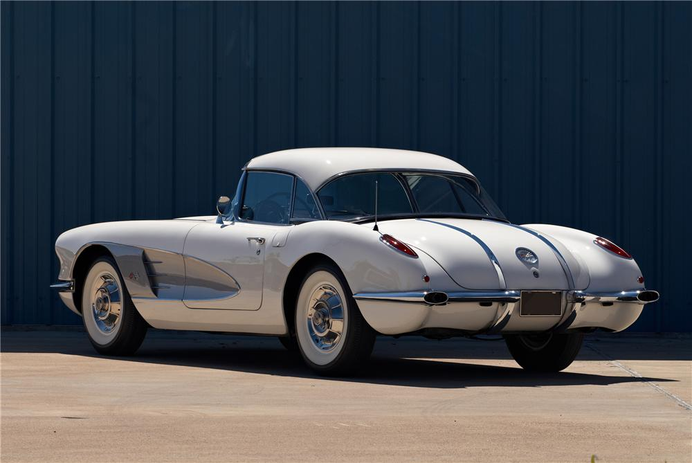 1958 CHEVROLET CORVETTE CONVERTIBLE - Rear 3/4 - 152059