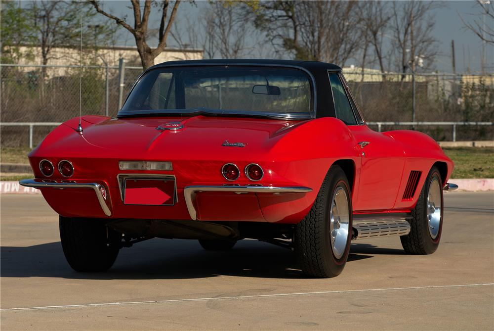 1967 CHEVROLET CORVETTE CONVERTIBLE - Rear 3/4 - 152060