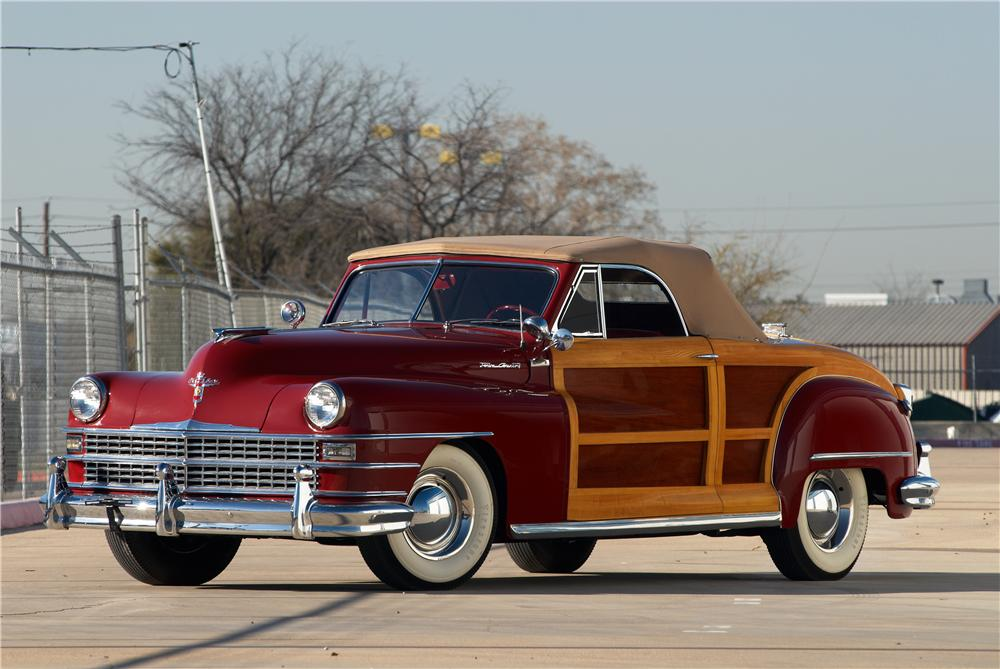 1946 CHRYSLER TOWN & COUNTRY ROADSTER - Front 3/4 - 152063
