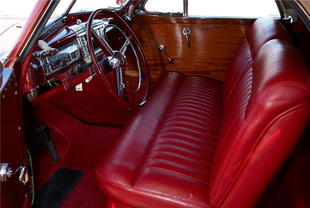 1946 CHRYSLER TOWN & COUNTRY ROADSTER - Interior - 152063
