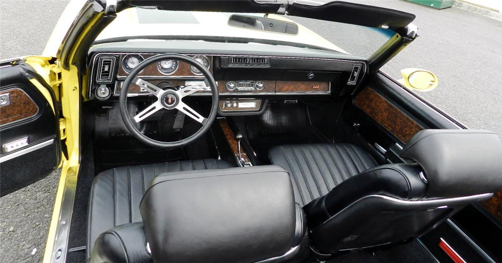 1970 OLDSMOBILE 442 CONVERTIBLE - Interior - 152068