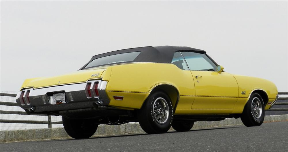 1970 OLDSMOBILE 442 CONVERTIBLE - Rear 3/4 - 152068