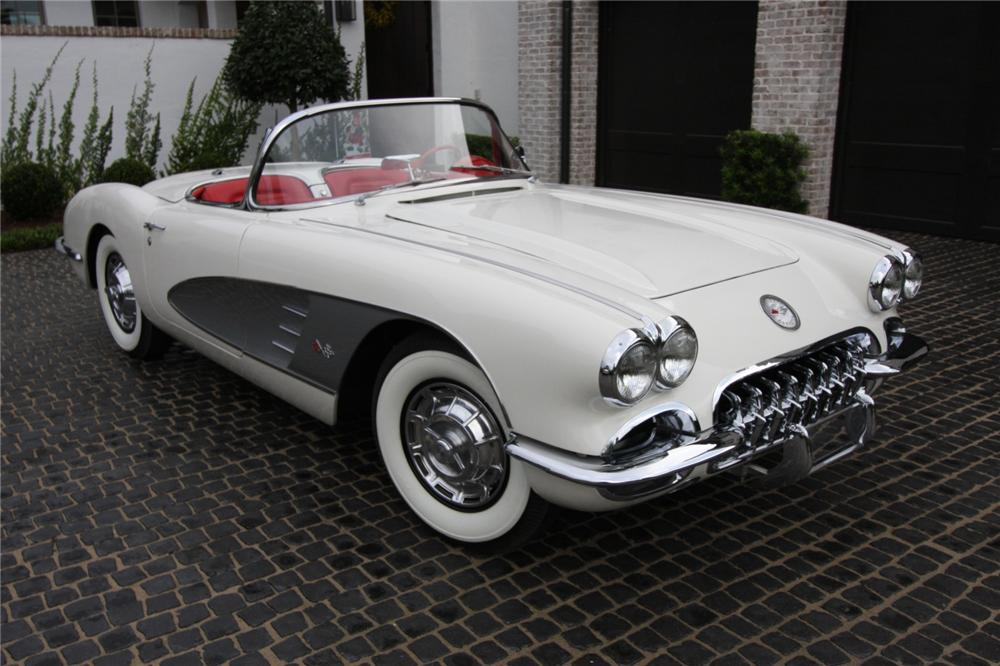 1959 CHEVROLET CORVETTE CONVERTIBLE - Front 3/4 - 152082