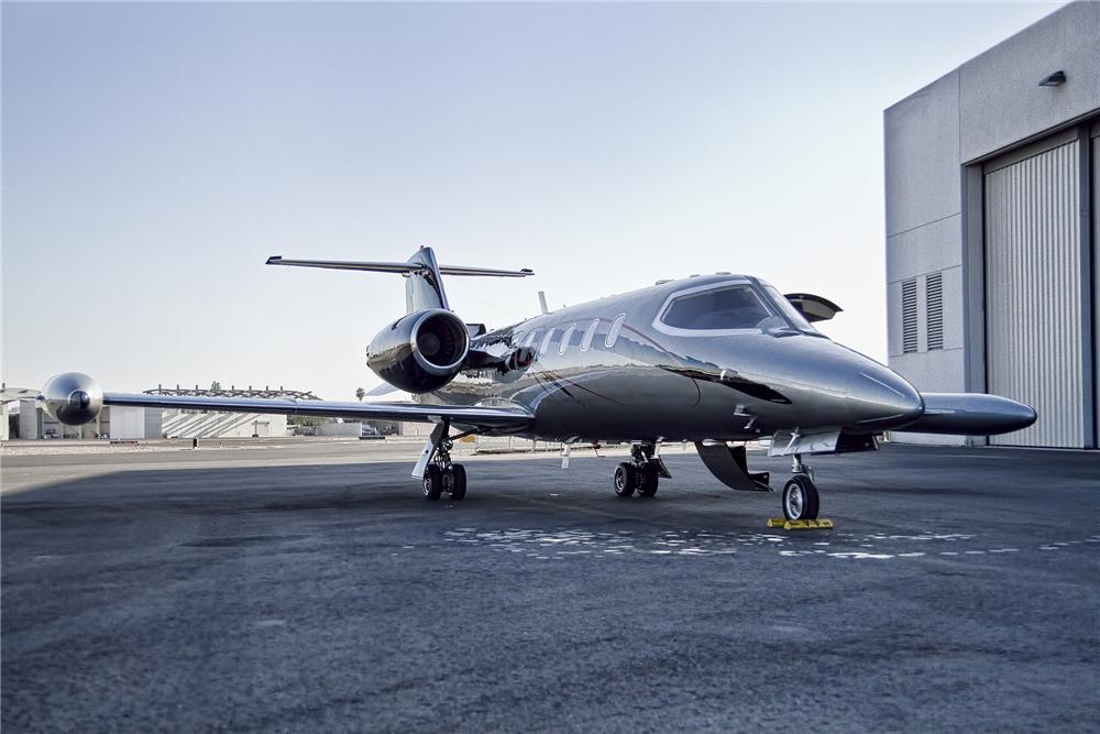 1975 LEARJET 35 FIXED-WING JET - Front 3/4 - 152088