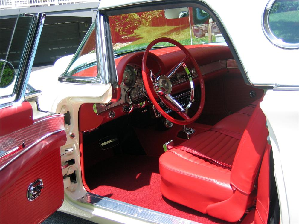 1957 FORD THUNDERBIRD CONVERTIBLE - Interior - 152096