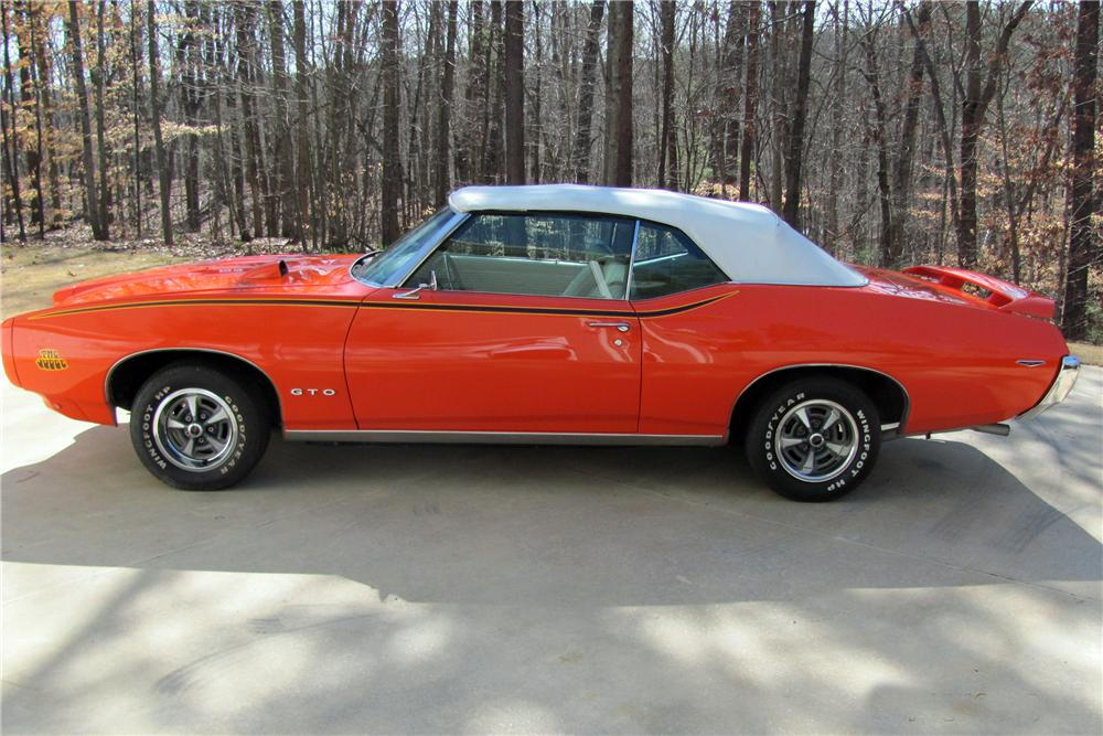 1969 PONTIAC GTO CONVERTIBLE - Side Profile - 152099