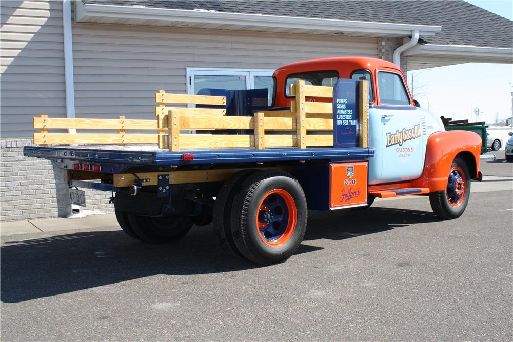 1948 CHEVROLET 1 TON STAKE BED TRUCK - Rear 3/4 - 152103