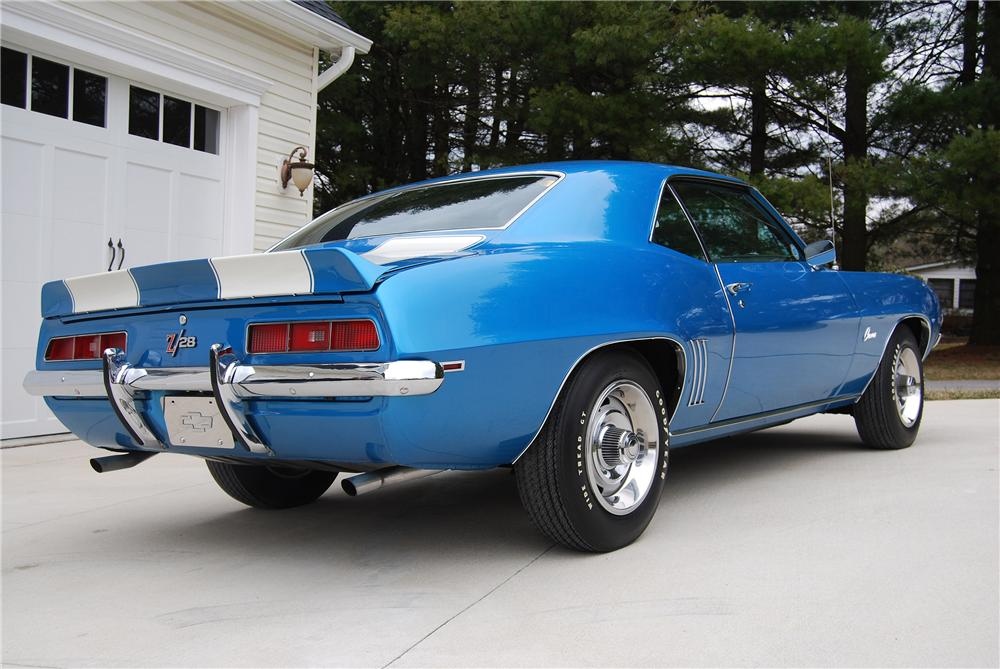 1969 CHEVROLET CAMARO Z/28 2 DOOR COUPE - Rear 3/4 - 152108
