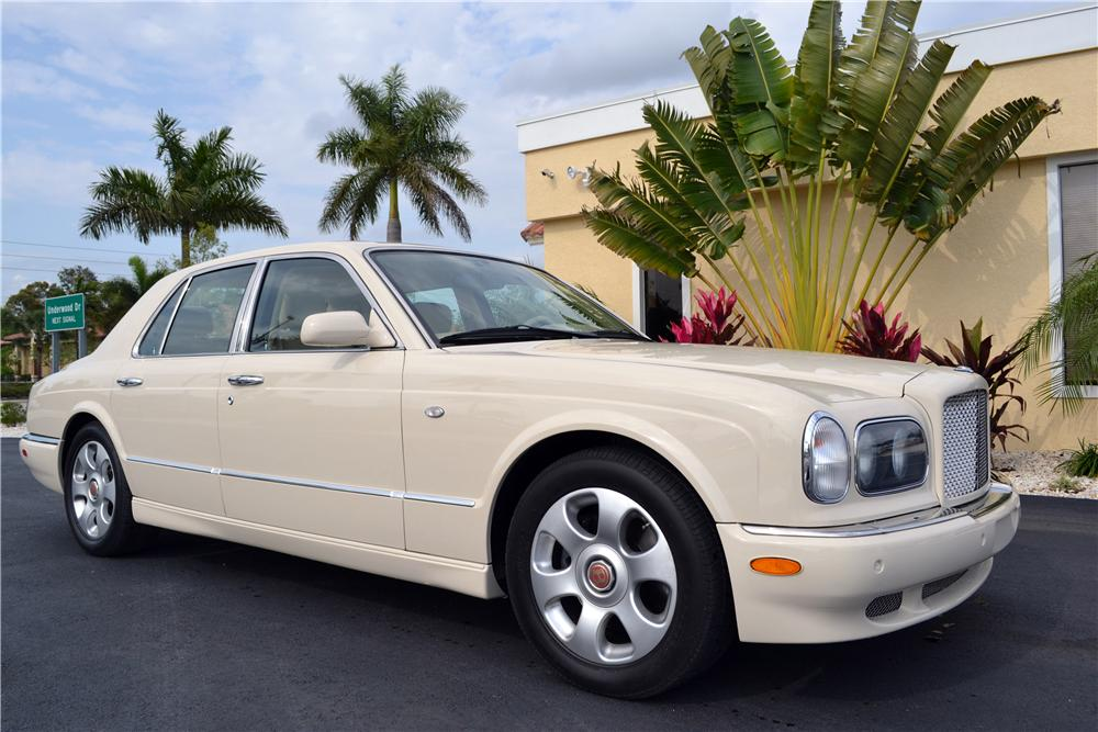 2004 BENTLEY ARNAGE SEDAN - Front 3/4 - 152129