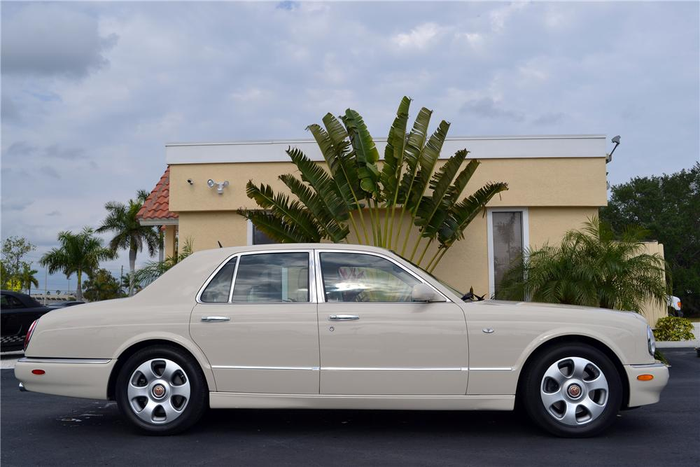 2004 BENTLEY ARNAGE SEDAN - Side Profile - 152129