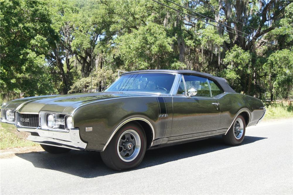 1968 OLDSMOBILE 442 CONVERTIBLE - Front 3/4 - 152131