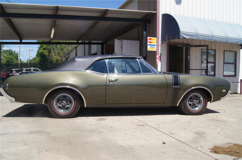 1968 OLDSMOBILE 442 CONVERTIBLE - Side Profile - 152131