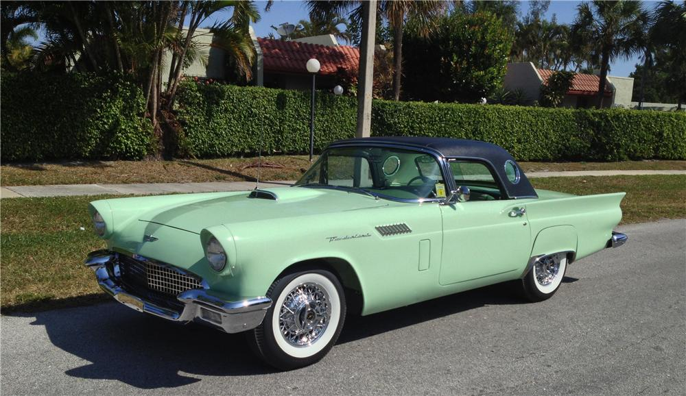 1957 FORD THUNDERBIRD CONVERTIBLE - Front 3/4 - 152137
