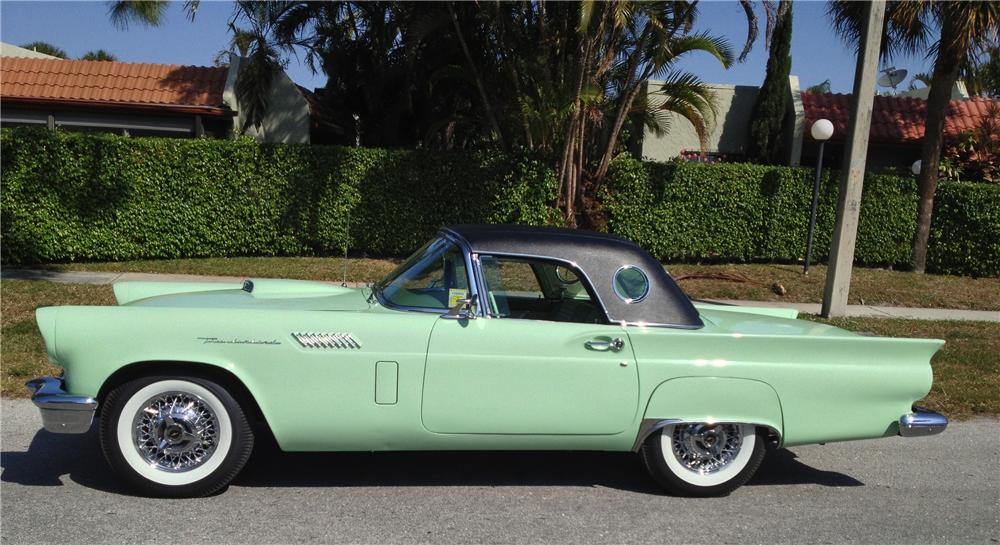1957 FORD THUNDERBIRD CONVERTIBLE - Side Profile - 152137