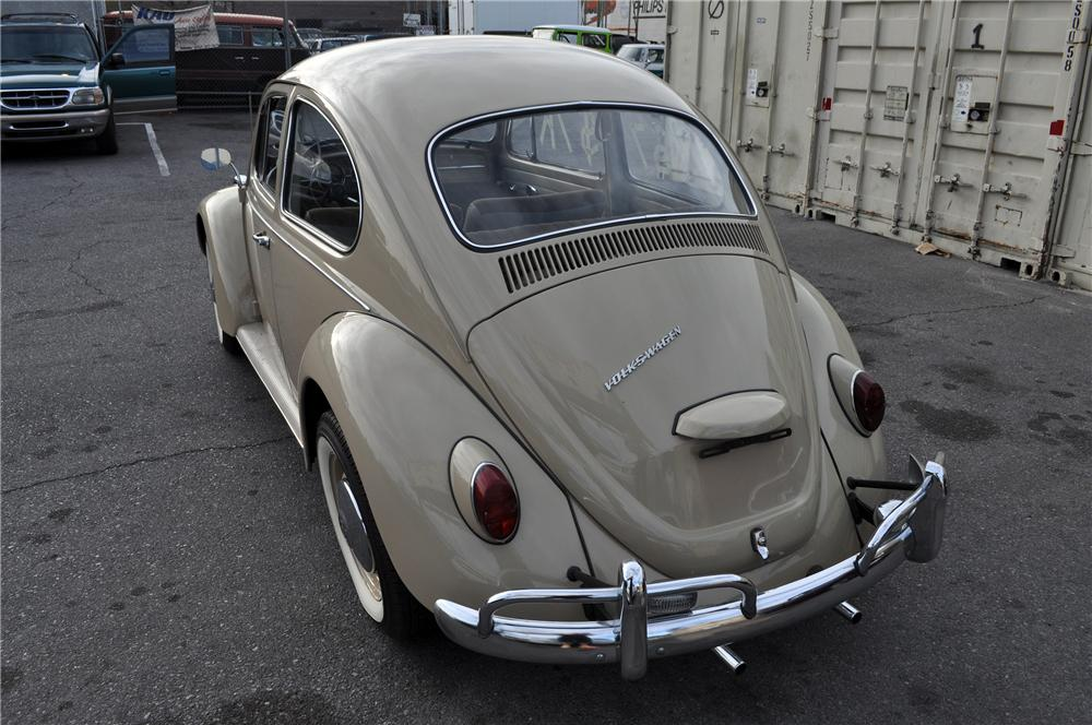 1967 VOLKSWAGEN BEETLE 2 DOOR COUPE - Rear 3/4 - 152141