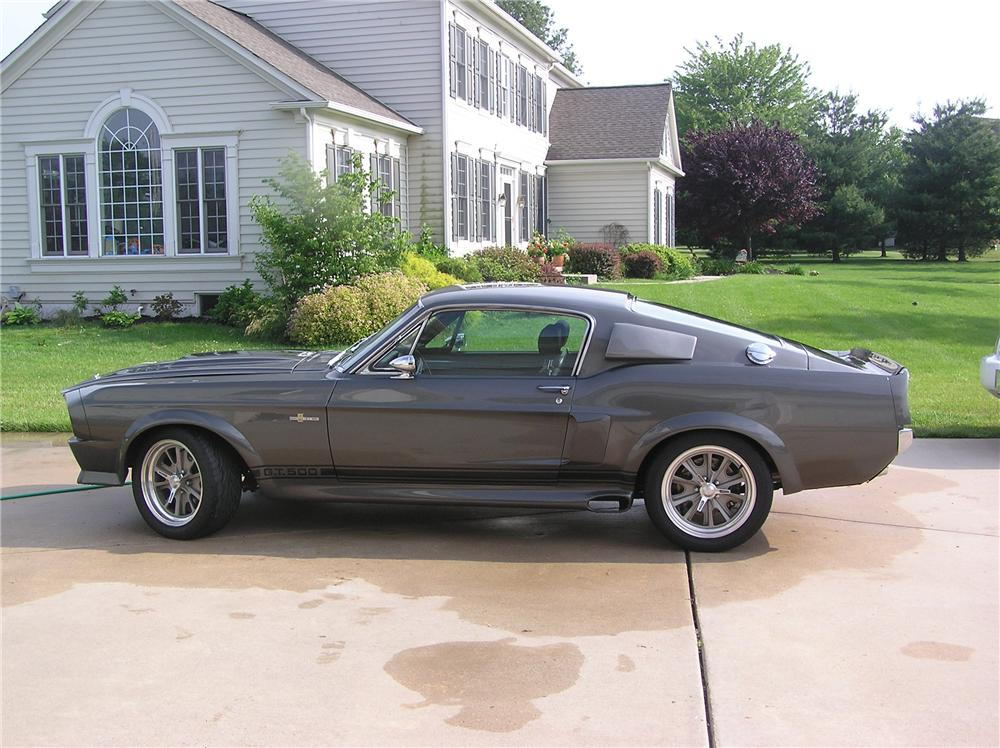 1967 FORD MUSTANG CUSTOM FASTBACK - Front 3/4 - 152145