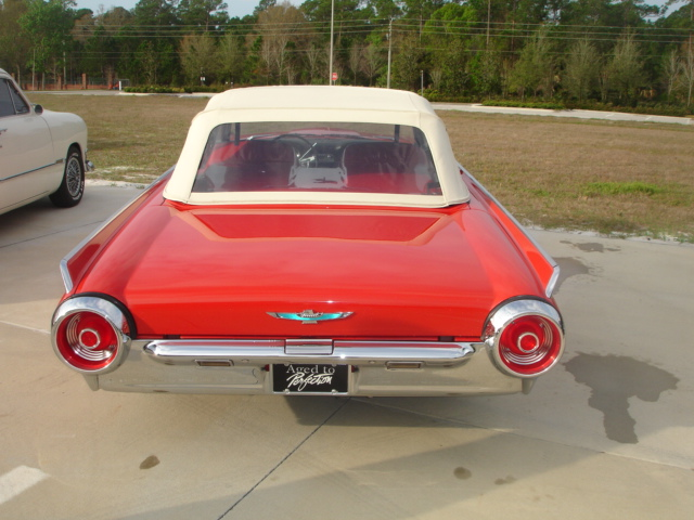 1962 FORD THUNDERBIRD CONVERTIBLE - Side Profile - 152186