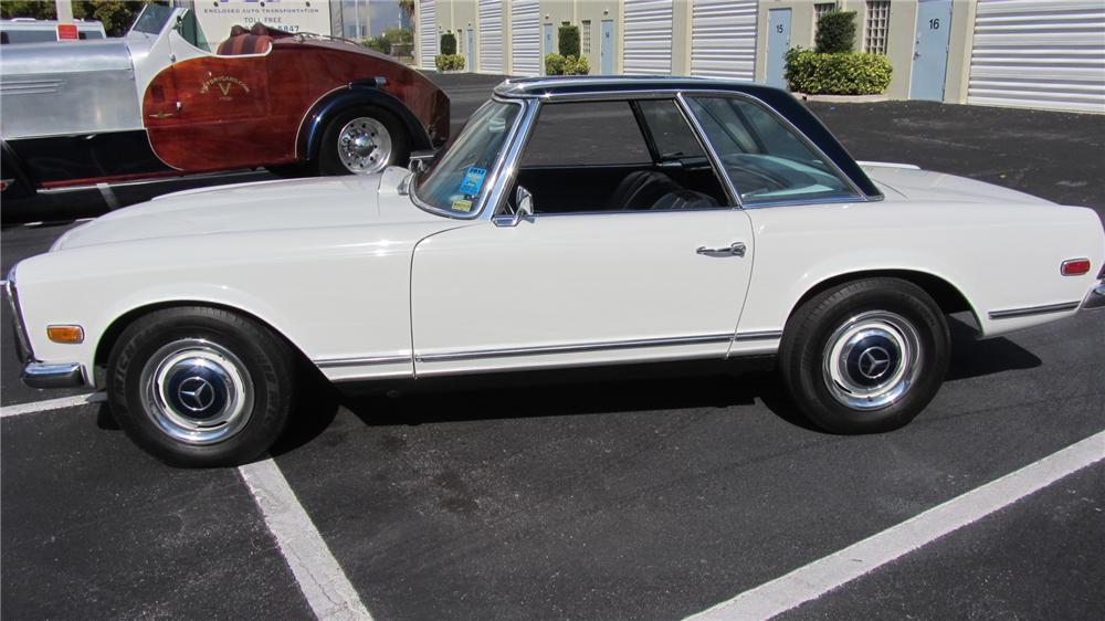 1968 MERCEDES-BENZ 250SL CONVERTIBLE - Side Profile - 152233