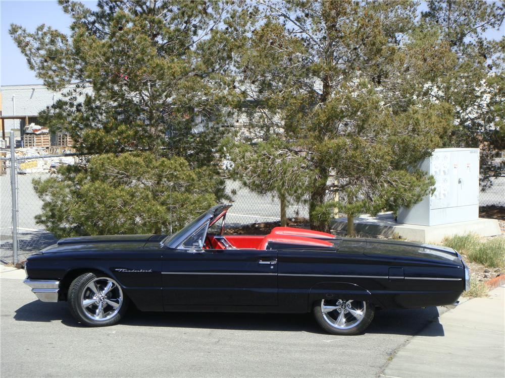 1964 FORD THUNDERBIRD CONVERTIBLE - Side Profile - 152558