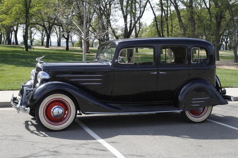 1934 CHEVROLET MASTER DELUXE 2 DOOR HARDTOP - Side Profile - 152737