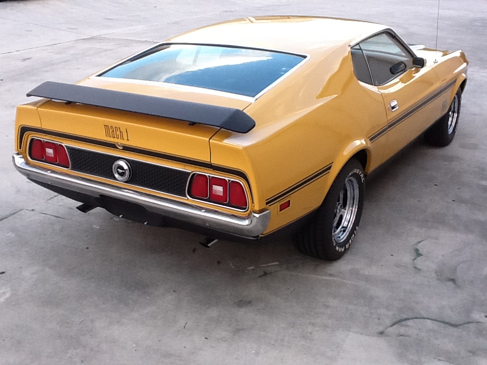 1972 FORD MUSTANG MACH 1 FASTBACK - Rear 3/4 - 153537