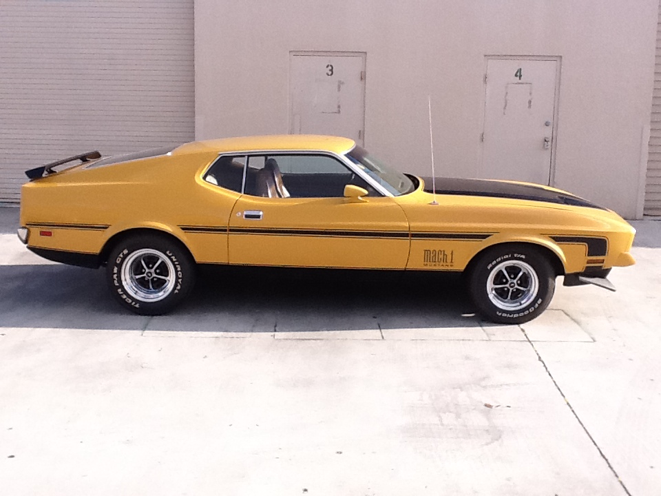 1972 FORD MUSTANG MACH 1 FASTBACK - Side Profile - 153537