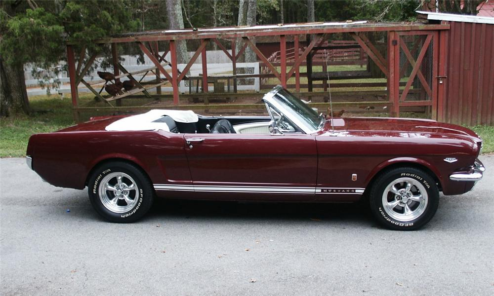 1966 FORD MUSTANG CONVERTIBLE - Side Profile - 15370