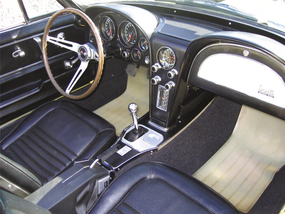 1967 CHEVROLET CORVETTE 427/400 CONVERTIBLE - Interior - 15374