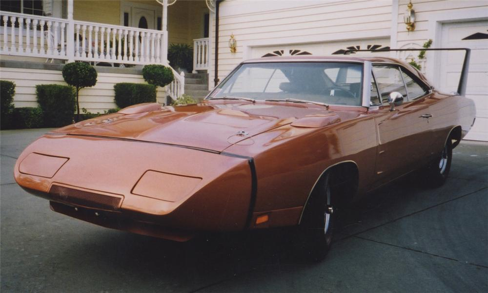 1969 DODGE DAYTONA COUPE - Front 3/4 - 15376