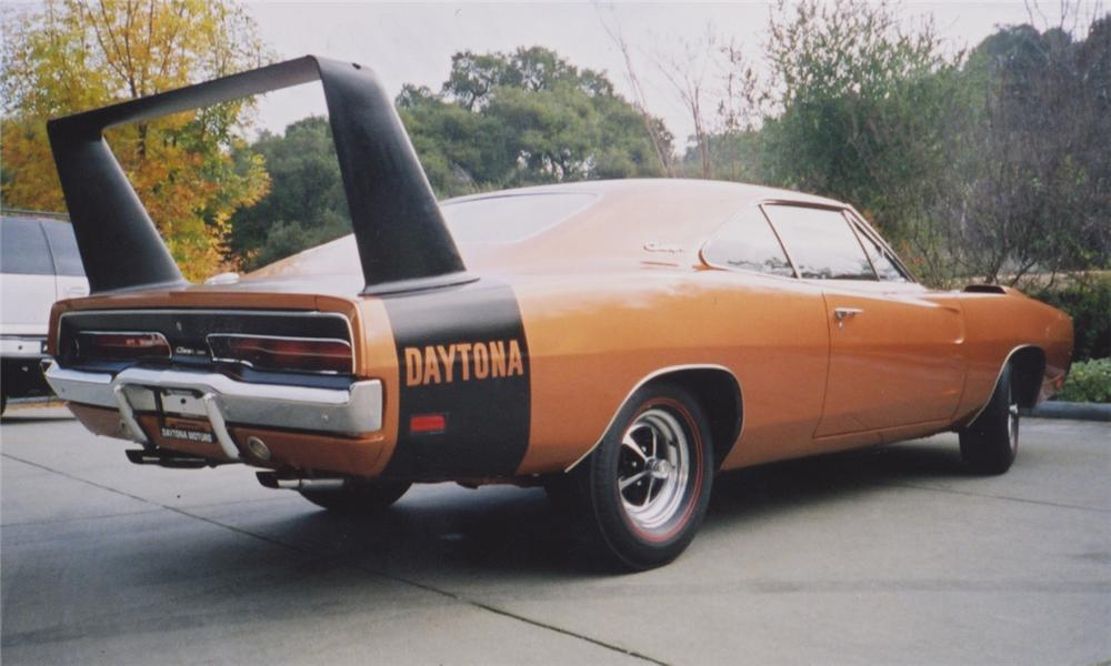 1969 DODGE DAYTONA COUPE - Rear 3/4 - 15376