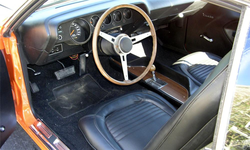 1970 PLYMOUTH CUDA 2 DOOR - Interior - 15378