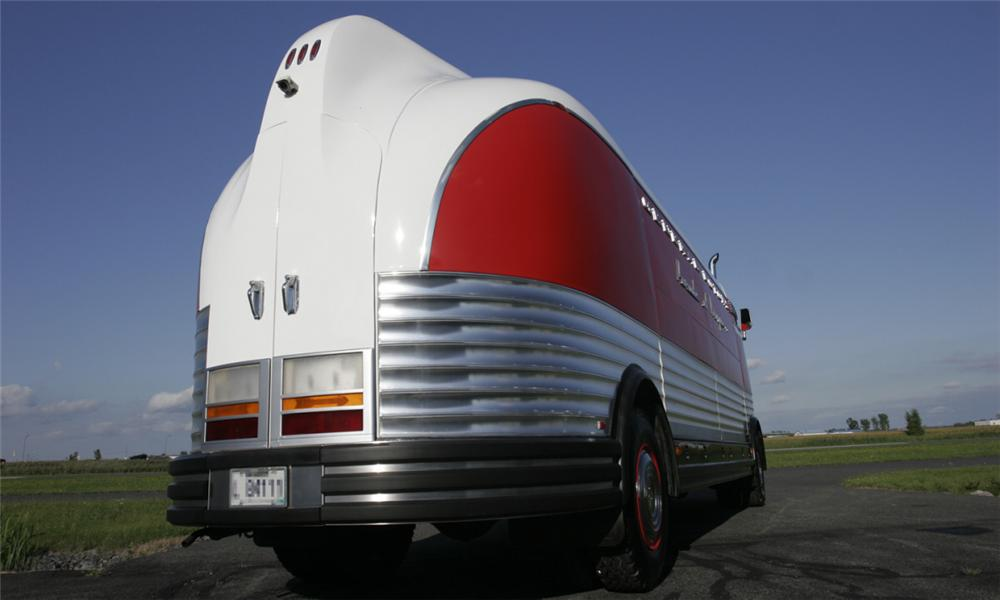 1950 GENERAL MOTORS FUTURLINER PARADE OF PROGRESS TOUR BUS - Rear 3/4 - 15395