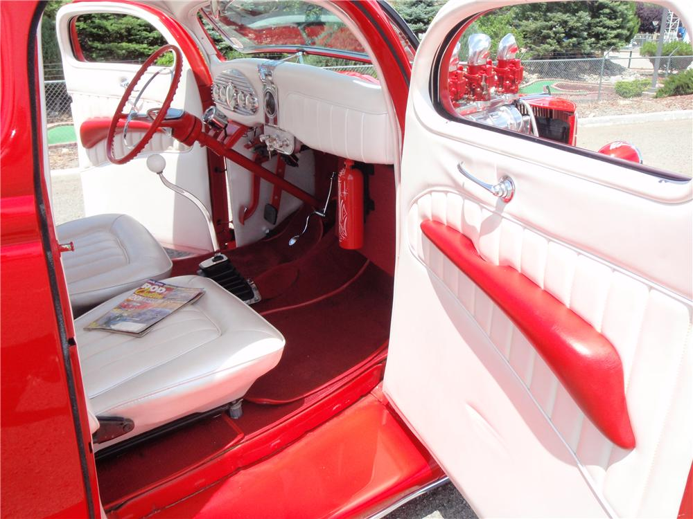 1936 FORD CUSTOM 5 WINDOW COUPE - Interior - 154023