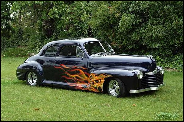 1941 PONTIAC CUSTOM 2 DOOR COUPE - Front 3/4 - 154085