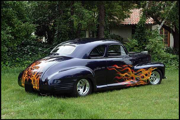 1941 PONTIAC CUSTOM 2 DOOR COUPE - Rear 3/4 - 154085