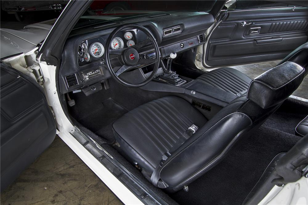 1970 CHEVROLET CAMARO CUSTOM 2 DOOR COUPE - Interior - 154089