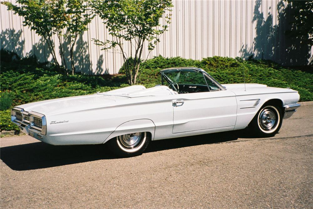 1965 FORD THUNDERBIRD CONVERTIBLE - Side Profile - 154142