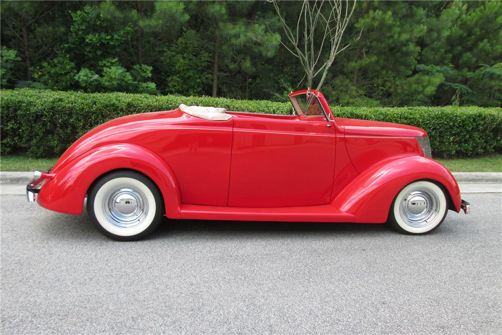 1937 FORD CUSTOM CONVERTIBLE - Side Profile - 154165