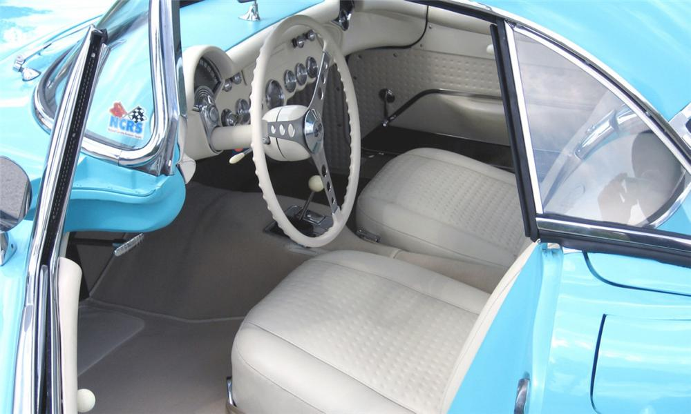1957 CHEVROLET CORVETTE FUEL INJECTED CONVERTIBLE - Interior - 15418