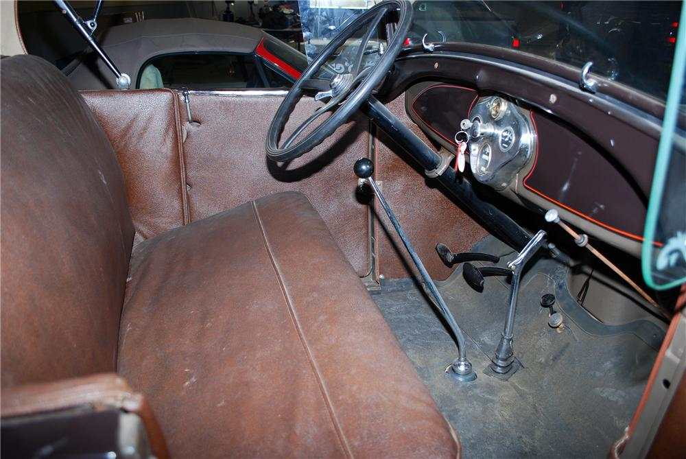 1928 FORD MODEL A ROADSTER - Interior - 154195