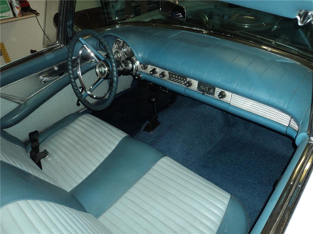 1957 FORD THUNDERBIRD CONVERTIBLE - Interior - 154199