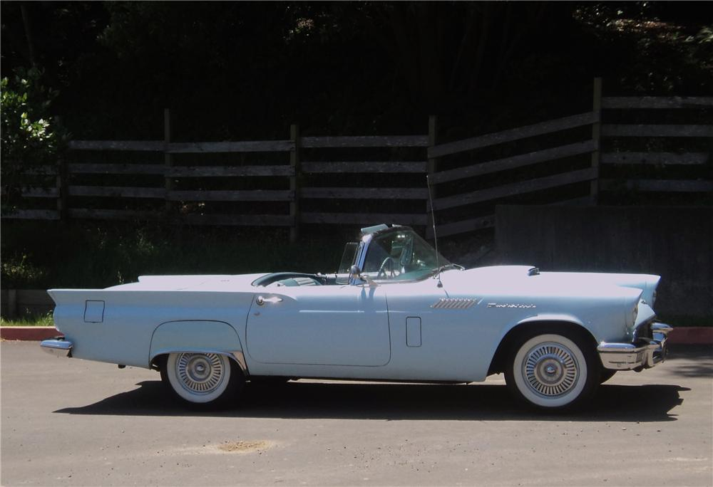 1957 FORD THUNDERBIRD CONVERTIBLE - Side Profile - 154199