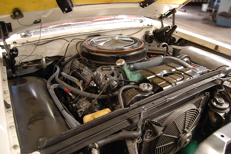 1959 OLDSMOBILE SUPER 88 CONVERTIBLE - Engine - 154239