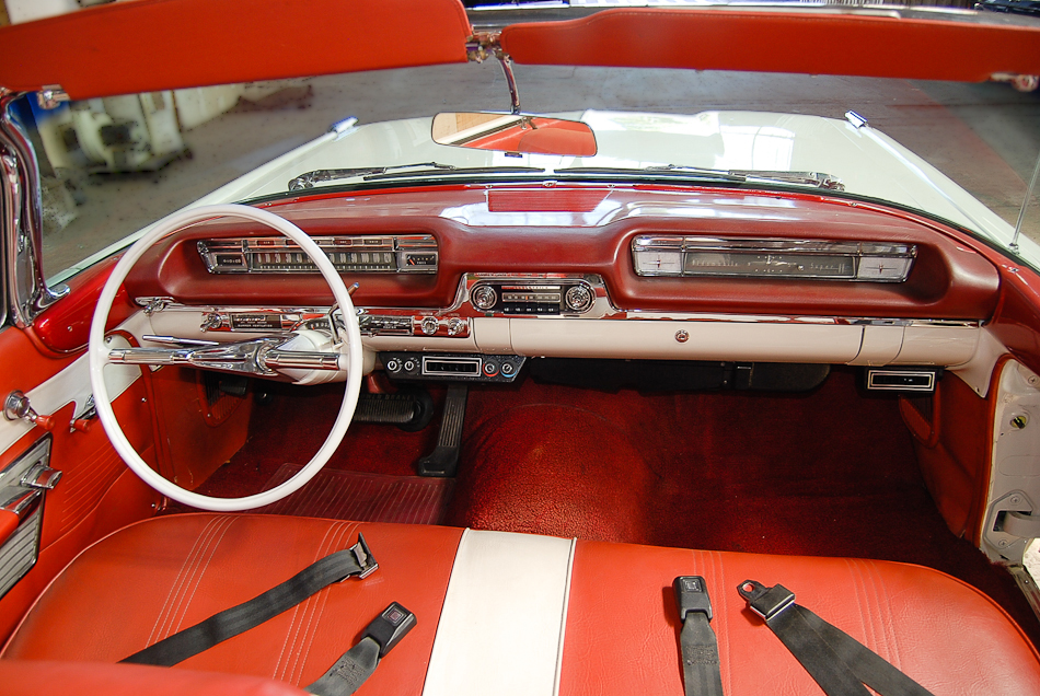 1959 OLDSMOBILE SUPER 88 CONVERTIBLE - Interior - 154239