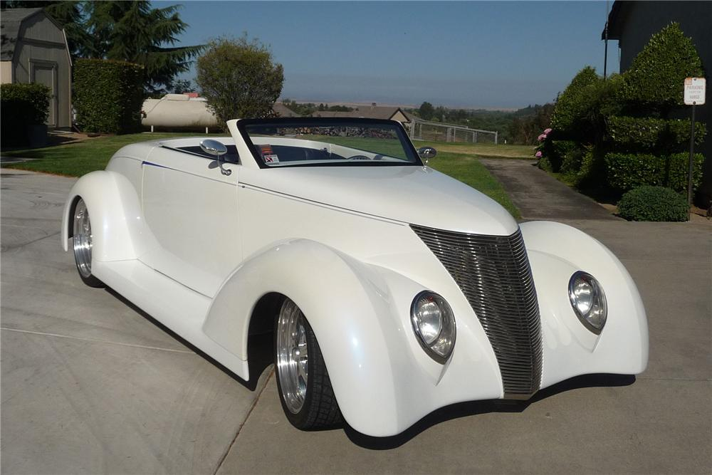 1937 FORD CUSTOM ROADSTER - Front 3/4 - 154262