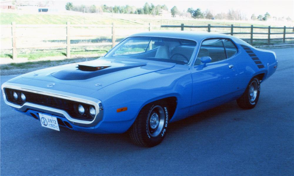 1972 PLYMOUTH ROAD RUNNER CUSTOM 2 DOOR HARDTOP - Front 3/4 - 154295