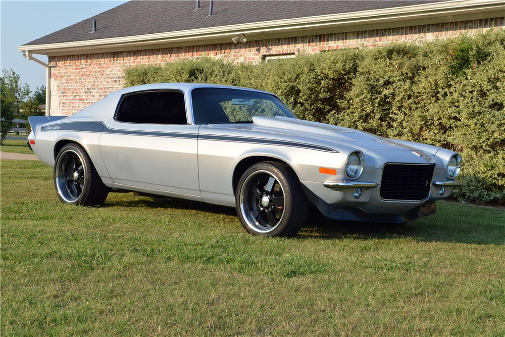 1971 CHEVROLET CAMARO CUSTOM 2 DOOR COUPE - Front 3/4 - 154296